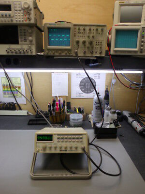 GW Instek GFG-8219A 3 MHz Sweep Function Generator with 150mhz counter!!!