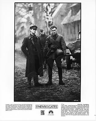 Enemy At The Gates Movie Still B&W Photo Joseph Fiennes Jude Law Original