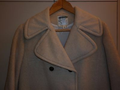VINTAGE 1960s CREAM MOHAIR AUSTRALIAN MADE COAT SIZE 12 EXCELLENT CONDITION