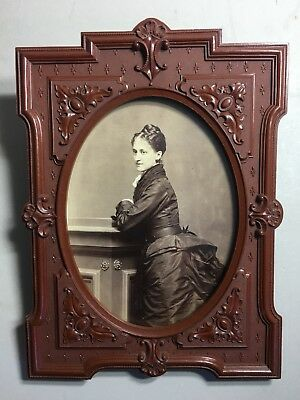 BUSTLE LADY Cabinet Photo in THERMOPLASTIC WALL FRAME 1868 Dunshee Boston Photo