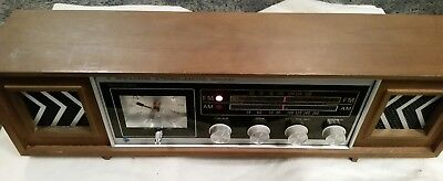 Vtg Stereo-Matic 4 Speakers AM FM Table Radio Solid State Commodore