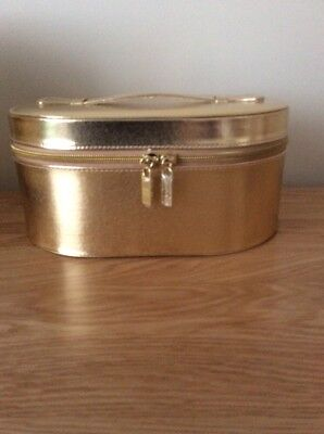 ELIZABETH ARDEN Ceramide Vanity Case/makeup Bag/ Toiletry Bag In Gold Oval
