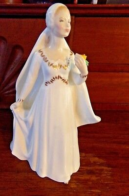 Royal Doulton Bride Figurine. Vintage 1979. Bone China from England (Pre-owned)