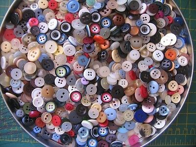 Bulk lot  of 100 old ~ Vintage ~new  SMALL buttons 100 random selection 8~ 16mm