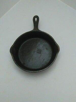 "Vtg Antique Wagner Ware  Cast Iron Double Pour Spout Skillet ""WAGNER"" in block"