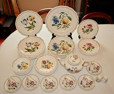 Spode VICTORIA 39 Piece Dinner Set for 6+ Fruit/Botanical - Excellent Condition