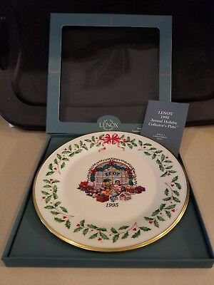 """Lenox China 5th Annual Holiday Christmas Plate 1995 """"Toy Store"""" W/COA"""