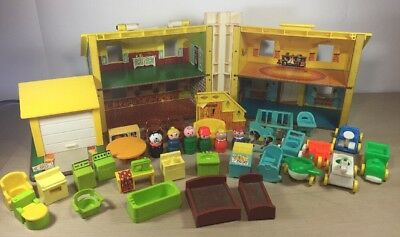 Vintage Fisher Price Play Family Doll House Blue Cottage 952 761 725 729 728 656