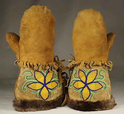 Old Vtg Native American Ojibwa Ojibwe Cree Indian Beaded Mittens Gloves Beadwork