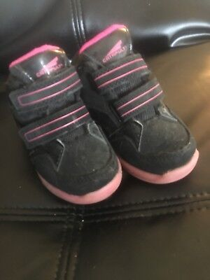 93a7613a85e Catapult Light up Tennies Toddler Girls Size 7 Black and Pink w Velcro  straps