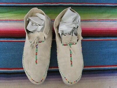 Antique / Vintage Native American Hand Beaded Moccasins In Good Condition