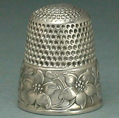 Antique Sterling Silver Dogwood Blossoms Thimble by Waite, Thresher * Circa1890s