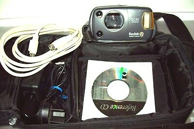 Kodak DC50 Zoom Vintage Digital camera  W/CD ,Mains power supply, cable & bag