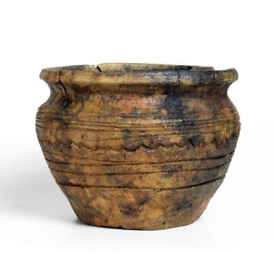 Rare Bronze Age decorated pottery jar: 2nd millenium BC.