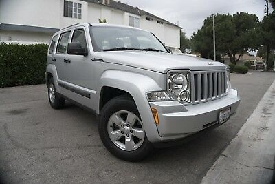 2012 Jeep Liberty Sport 2012 Jeep Liberty Sport SUV - Low Miles V6 RWD Tow Package Clean Carfax & Title