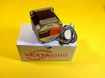 NEW Oriental motor VEXTA PK266-02A  2 Phase Stepping Motor  DC 2A  1.8 OHM