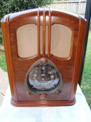 "1938 Zenith ""walton"" Tombstone Cathedral Radio Model 7-S-232"