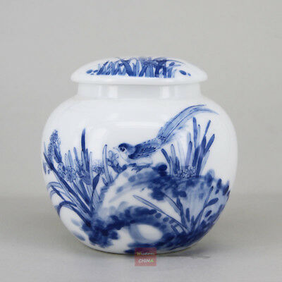 Chinese Jingdezhen Hand Painted Tea Caddy Blue and White Porcelain Tea Container