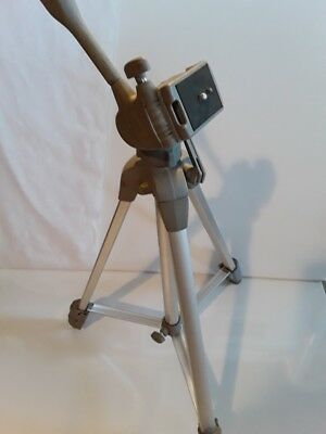 Sunpak 5800D Medium Duty Tripod with pan head and quick release plate