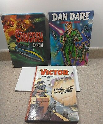 3 vintage boys annuals, Stingray (66), Dan Care (91) and Victor book (70)