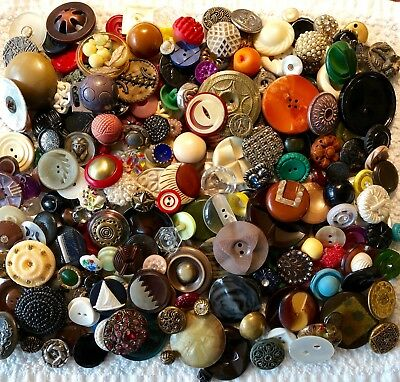 Large Lot of 210+ Assorted Antique Vintage Collectible Buttons B215
