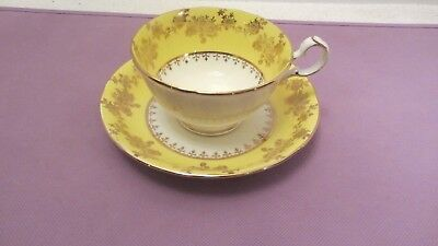 Pretty ROYAL GRAFTON Bone China Tea Cup & Saucer Yellow & Gold England 1950's