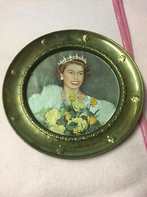 UNUSUAL BRASS ROUND YOUNG QUEEN ELIZABETH PICTURE FRAME EMBOSSED HEAD x2