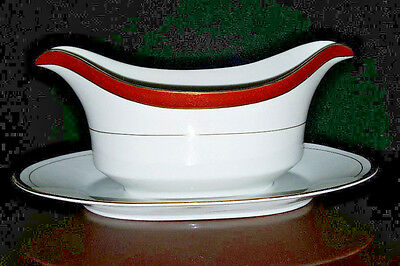 Crown Empire EMPRESS Fine China Gravy Boat with Underplate - Excellent Condition