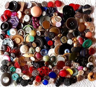 Large Lot of 230+ Assorted Antique Vintage Collectible Buttons B216