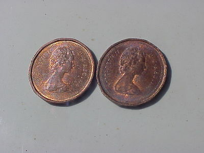 Circulated 1983 near and far beads Canadian penny varieties, nice coins !!