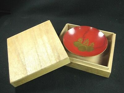 Japanese Antique  Red Lacquer Sakazuki Sake Cup Makie Family Crest W/ Box