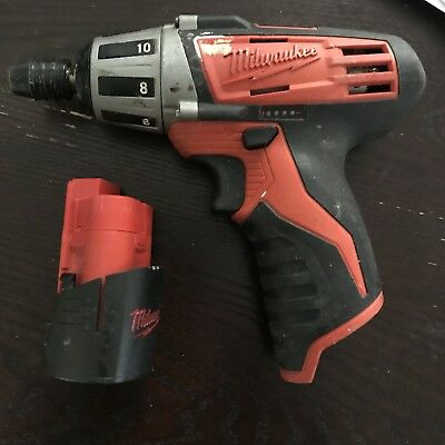 """Milwaukee 2401-20 M12 1/4"""" Compact Driver Hex Screwdriver w/ Battery"""