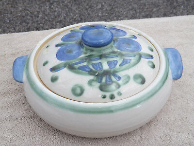 MA Hadley Pottery Hand Painted Round Covered Casserole Baker Bouquet