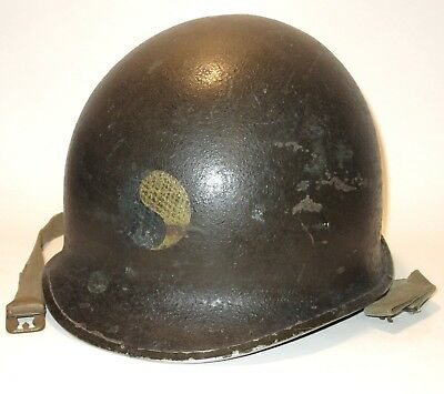 Original WWII US Army 29th Infantry Division fixed-bale M1 helmet