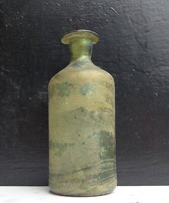Nice and rare late 17th. century large medicine bottle, Dutch