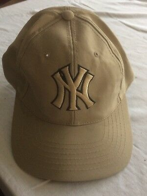 BNWOT New York Yankees cap,one size fits all.Official NYY Merchandise