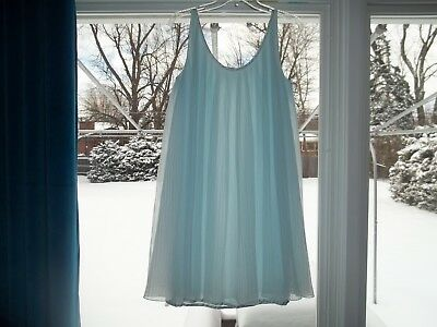 Vtg Vassarette? LIGHT BLUE Nylon Baby Doll Pleated NIGHTGOWN Med
