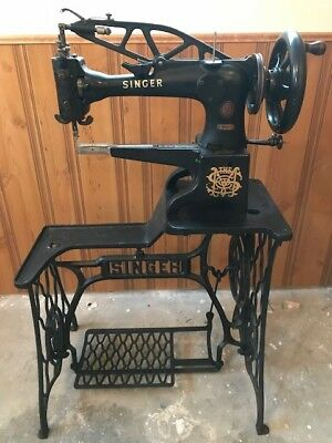 Singer 29K71 Sewing Machine29 29-4 Sews Perfect,Great Condition Make Offer