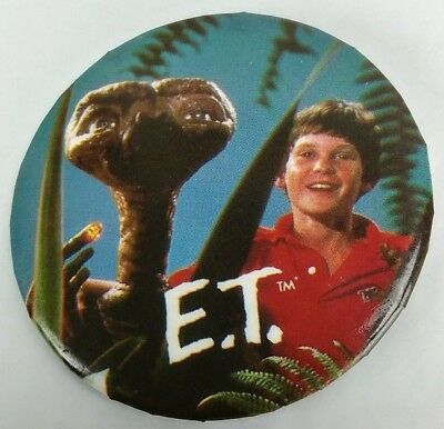 E. T. Movie Pin 1982 Universal Studios Extra Terrestrial Lapel Button 1980's