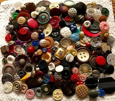 Large Lot of Assorted Antique & Vintage Collectible Buttons Huge Variety  B219-5