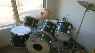 Pearl full drumkit with cymbals