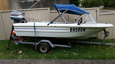 motor boat 3.6 mt fibreglass with trailer and motor