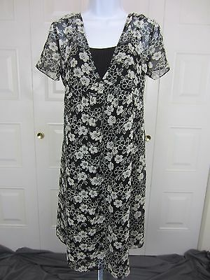 Two Hearts Women's Black White Floral Maternity Dress   Size Small