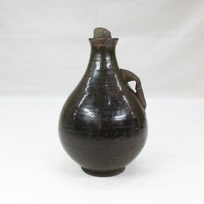 G005: Korean old porcelain ware ancient bottle of Goryeo Dynasty. KURO-GORAI