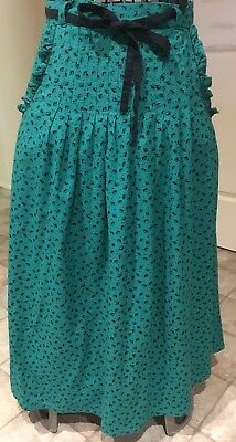Green with Black Leaf Print Skirt Size 12