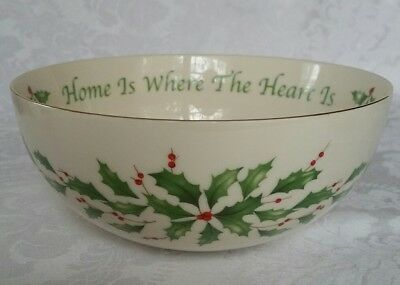 """Lenox Holiday Sentiment Holly Pattern """"home Is Where The Heart Is""""  Bowl"""