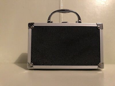 Small Aluminum Case with Removable Foam.   ~New