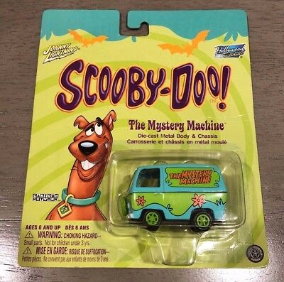 Lot of 2: NEW Scooby Doo Mystery Machine and Chassis Johnny Lightning (2004)