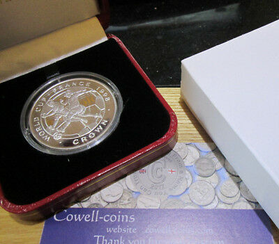 ISLE OF MAN 1998 1oz WORLD CUP FOOTBALL STERLING SILVER PROOF CROWN - boxed