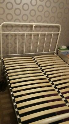 White Metal Victorian Style Hospital Metal Bed Frame King Size with Mattress